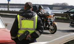 Нетрезвый водитель пытался подкупить полицейского